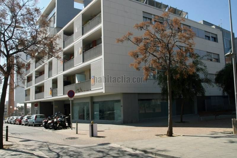 Rent Business premise in Carrer pacheco, 97. Local comercial