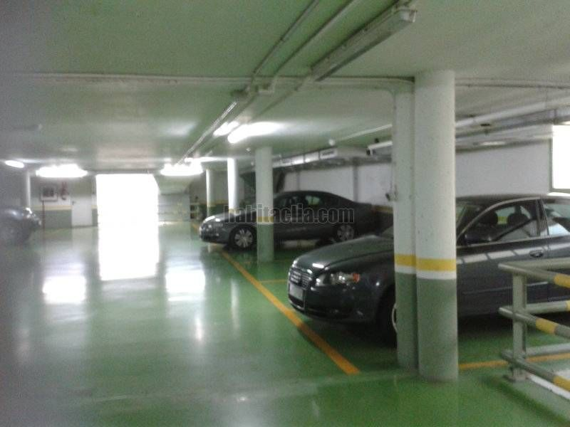 Location Parking voiture à Avinguda baix llobregat, 77. Parking amplio y moderno