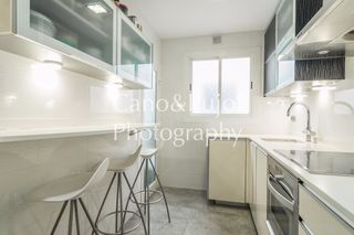 Rent Penthouse  Carrer ali bei. Luminoso piso 3 hab