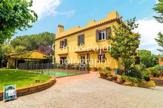 Casa  Bellaterra. Unifamiliar en parcela de 1.169m