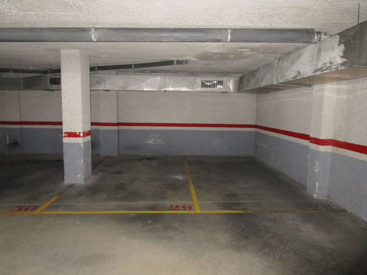 Location Parking voiture  Carrer bosch i cardellach. Zona rambla