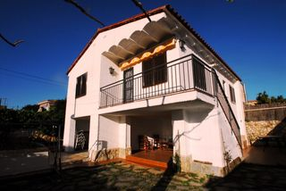 Casa pareada  Carrer via florencia. Pareada 3 hab. en creixell