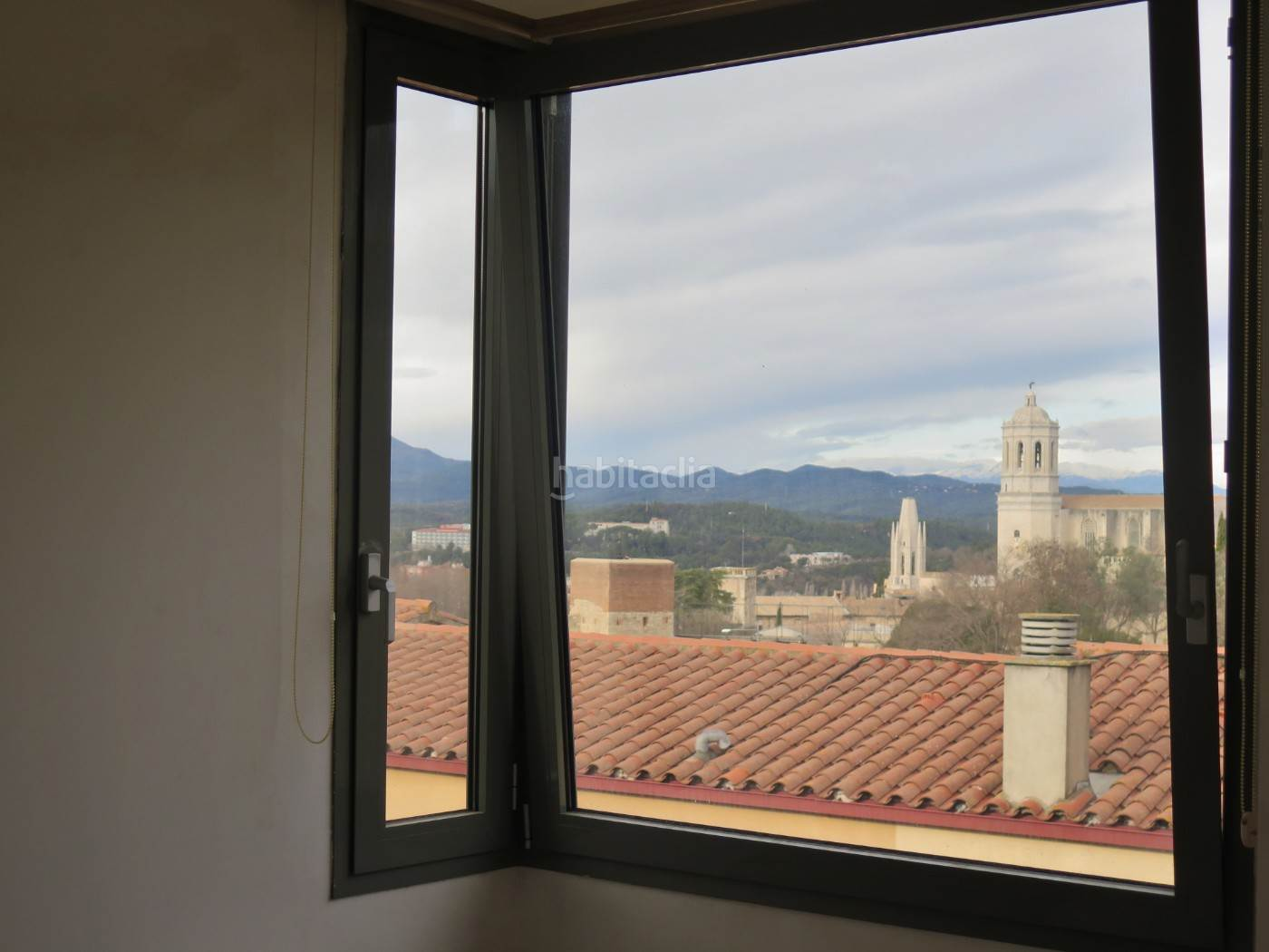 AL LADO DEL BARRI VELL Girona