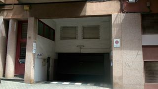 Rent Car parking in Carrer jeroni pujades, 12. Plazas en alquiler