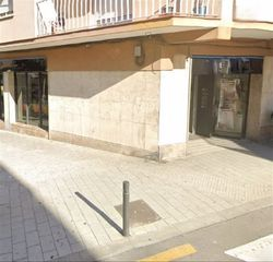 Local Comercial  Carrer angel guimera. Local esquinero diáfano