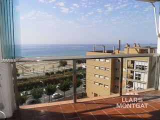 Location Attique  Carrer barcelona. Excepcionales vistas a mar