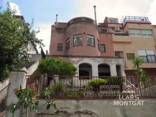 Chalet  Carrer buenos aires. Chalet a reformar. montgat nord