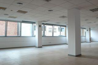 Lloguer Oficina a Carrer migdia, 37. Edifici modern, zona eixample