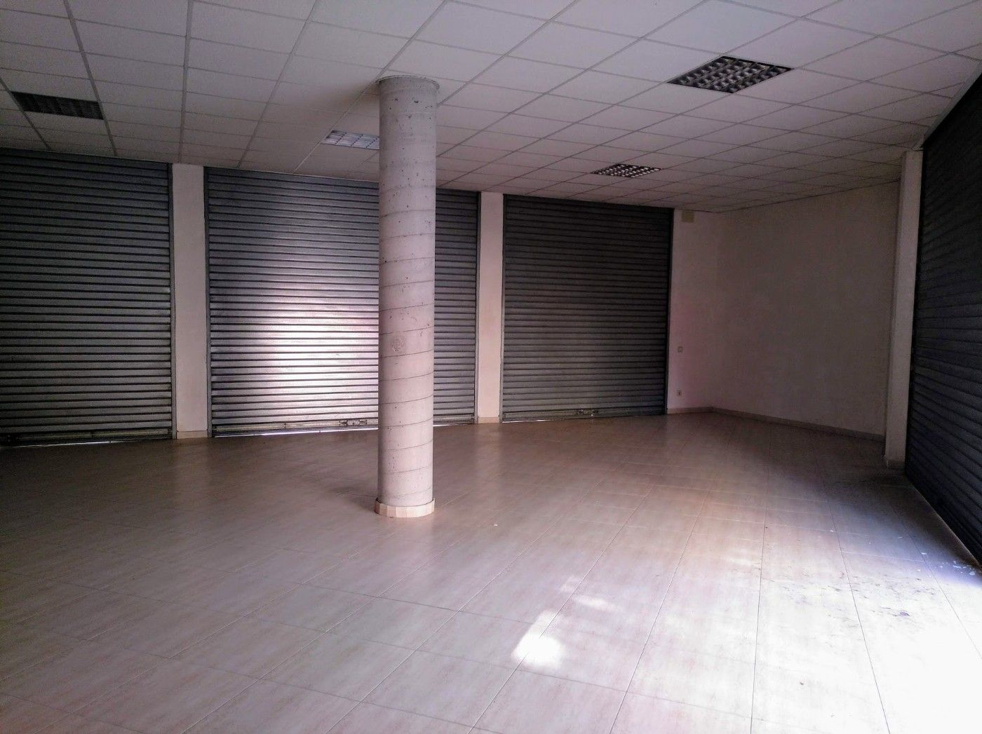 Local commercial  Barriada nova. Local esquinero en venta!!
