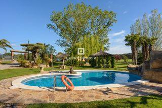 Casa  Vall canera. Típica masía catalana con piscina, pista de tenis y pozos. distr