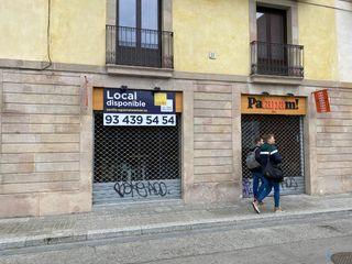 Lloguer Local Comercial a Carrer reina cristina, 10. Excelente ubicación.