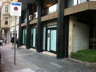 Location Local commercial dans Avinguda pau casals, 17. Con buena imagen corporativa
