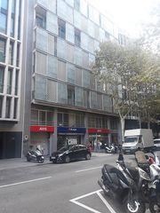 Location Local commercial dans Carrer corsega, 293. Con buena ubicación