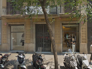 Lloguer Local Comercial a Carrer pau claris, 126. Con excelente ubicación