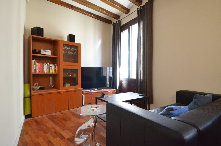 Appartement Carrer Cervantes. Dans le mobilier gothique rénové