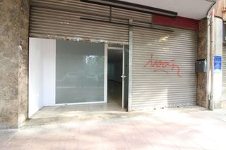 Location Local commercial  Carrer tarrega. Local comercial en alquiler