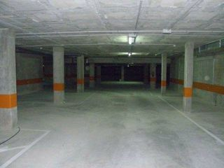 Car parking in Passeig de sant joan, 49. Aparca al centre de manlleu!
