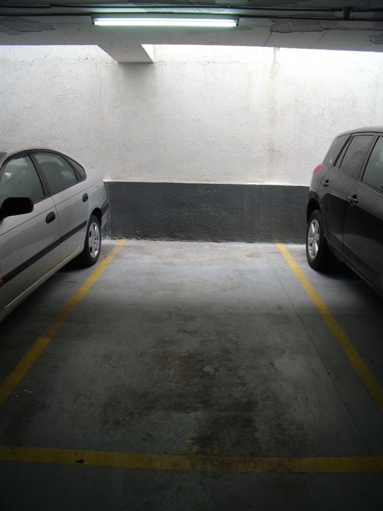 Parking coche en Carrer Calderon, sn