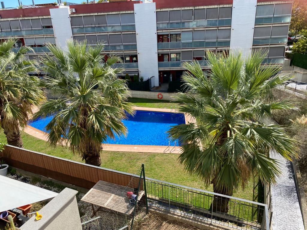 Flat in Sentmenat. Piso, trastero, parking, piscina, jardin