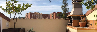 Duplex  Carrer del segle xx. Dúplex con 4 habitaciones, parking, terraza/solarium y barbacoa.