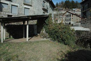 Appartamento  Plaça dels països catalans. Piso, bajos y huerto con jardín en vilallonga de ter.