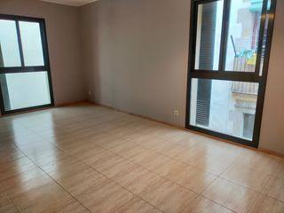 Alquiler Apartamento  Carrer verdaguer i callis. Piso en alquiler ciutat vella