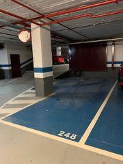 Autoparkplatz in Carrer marques de sentmenat, 35. Plaza doble 2 coches