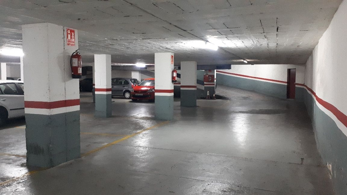 Parking coche en Carrer Neopatria, 58