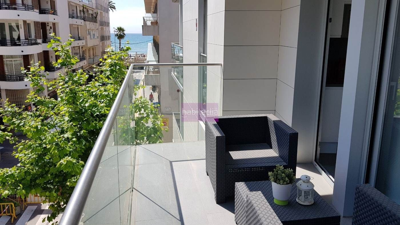 Rent Flat in Centre. Exclusivo piso en sitges en 2a. línea de mar con vistas al mar
