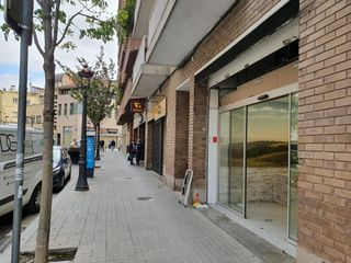 Affitto Locale commerciale in Carrer mare de deu de nuria, 9. Local a carrer comercial