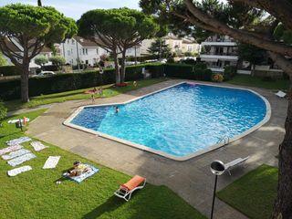 Appartement  Zona residencial cerca de la playa. Con piscina, cerca llafranc,