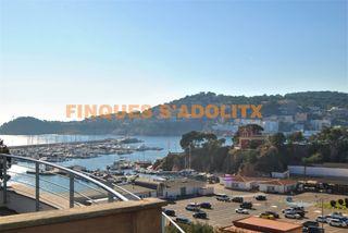 Attico  Carrer de les forques. Terraza con vistas al puerto