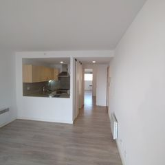 Affitto Appartamento  Carrer llonch. Piso reformado disponible