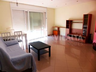 Rent Flat in Canovelles. Piso semiamueblado
