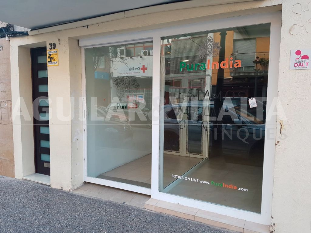 Alquiler Local Comercial  Carrer joan prim. Local centrico