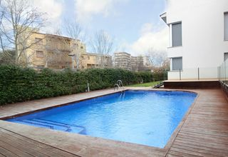 Apartament  Carrer verbania. Exclusivo con piscina