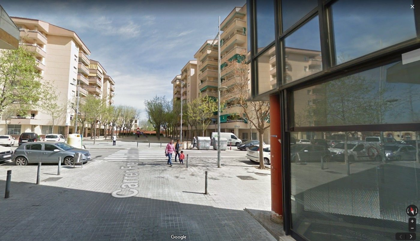 Parking voiture  Carrer girona. Doble