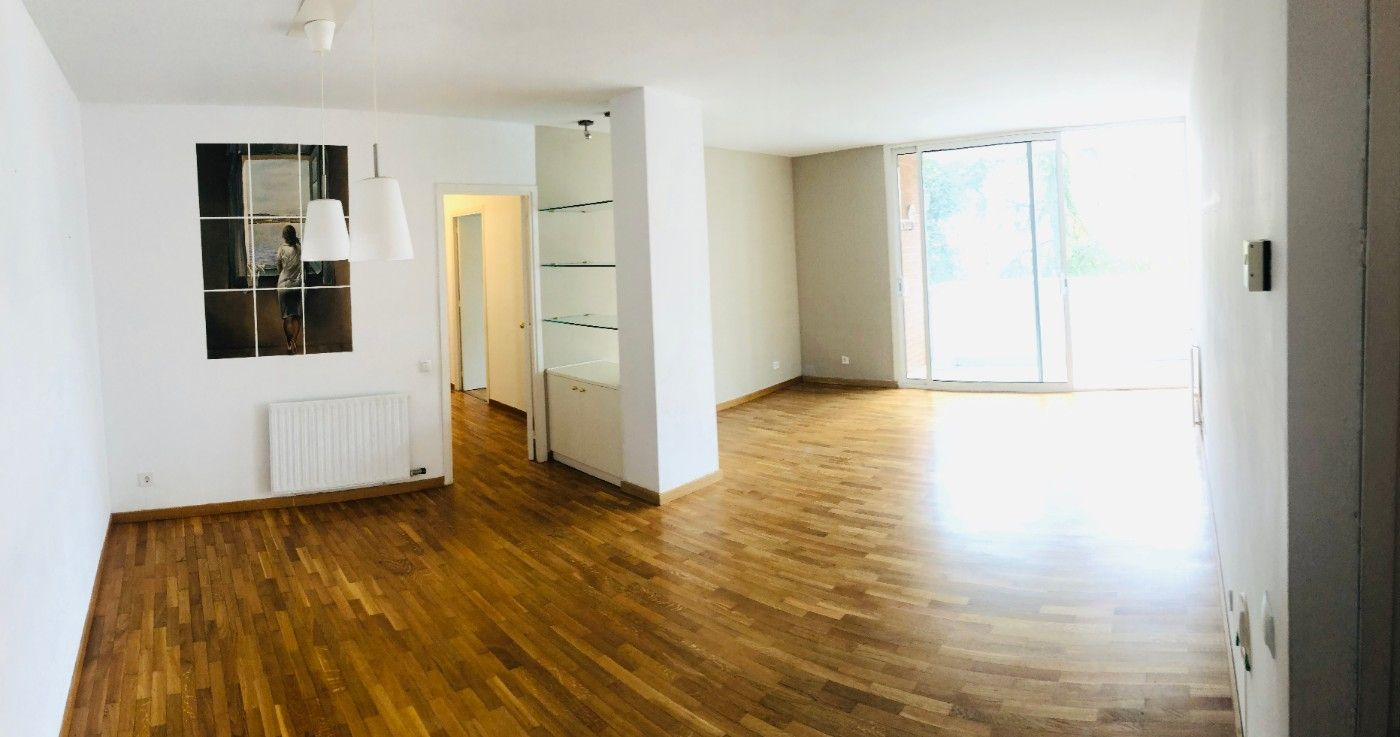 Rent Flat in Carrer sant marti de l´erm, 25