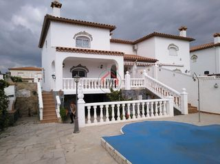 House in Carrer isla cabrera, 9