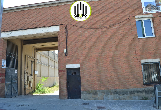 Industrial building  Zona céntrica bien comunicada. Con entrada a dos calles