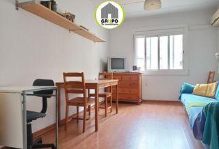 Affitto Appartamento  Carrer emili juncadella. Céntrico, luminoso y acogedor