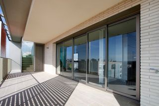 Rent Penthouse in Carrer pere ferrer, 6. Obra nueva alto standing