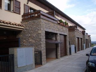 Semi detached house in Avinguda montserrat,0