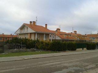 Casa pareada en alquiler en Baltanás. Venta chalet