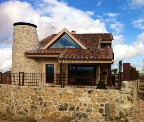 Casa en alquiler en Pedraza. 8 km Pedraza piscina