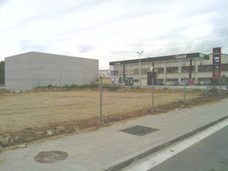 Rent Industrial plot in Carrer torrent malet, 17. Solar industrial/comercial en excelente ubicación