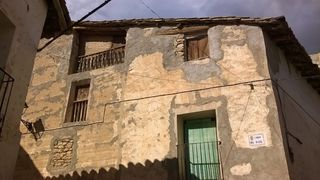 Semi detached house in Calle san ramon, 12. Forcall, casa esquinera en venta