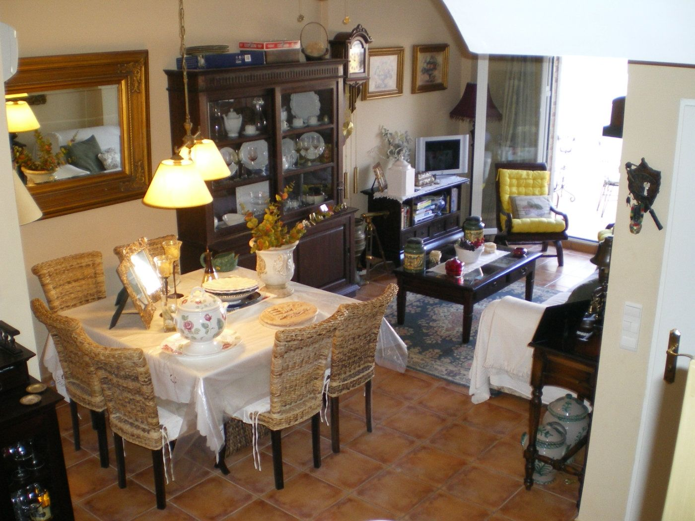 Semi detached house in Calle senill,, 33. Chalet adosado