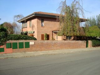 Affitto Casa in Carrer mas abella, s/n. Chalet unifamiliar especial.