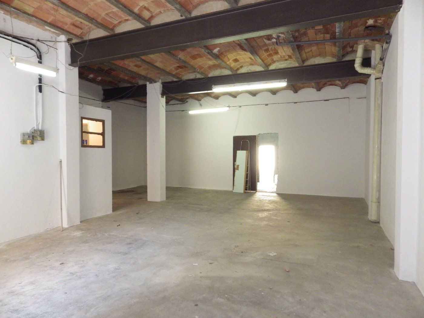 Rent Business premise in C/ miquel de palol, 4. Ideal per taller o magatzem